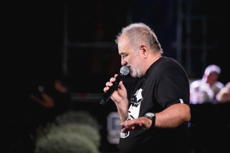 Read more about the article Balašević otkazao rasprodat koncert u Kragujevcu zbog zdravstvenih problema